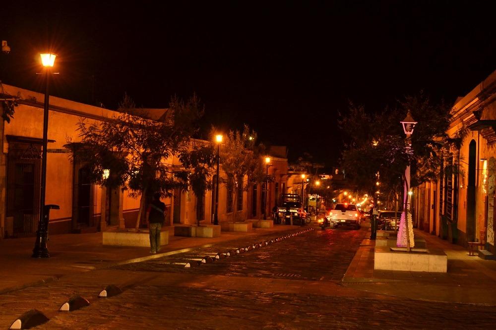 オアハカ夜のメインストリート2の写真