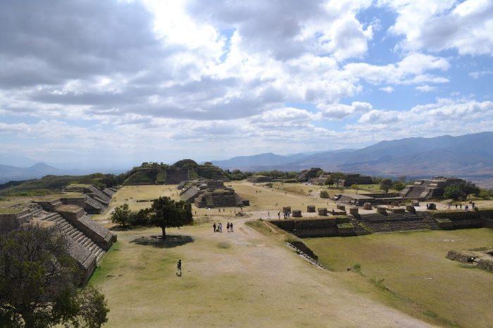 モンテ・アルバン遺跡全体の写真