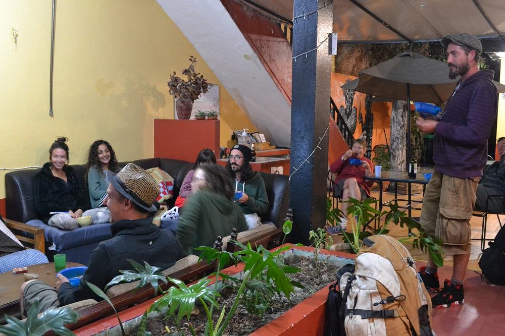 メキシコ・オアハカの安宿Pochonの談話スペースの写真