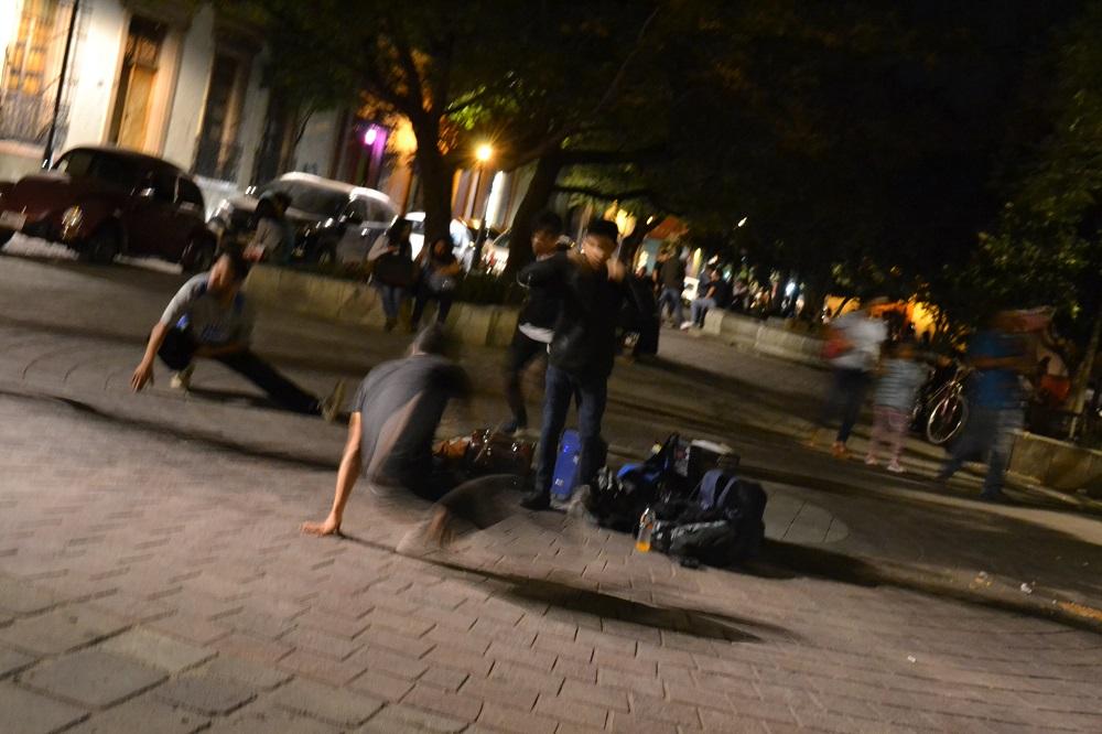 メキシコのオアハカでストリートダンスやっててテンション上がった。