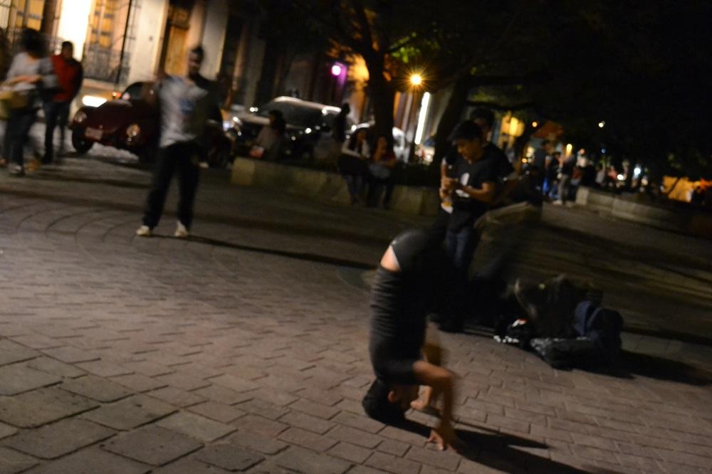 メキシコ・オアハカのストリートダンサー3の写真