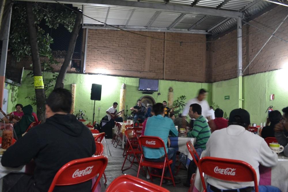 メキシコオアハカ名物トラジューダの店内の写真
