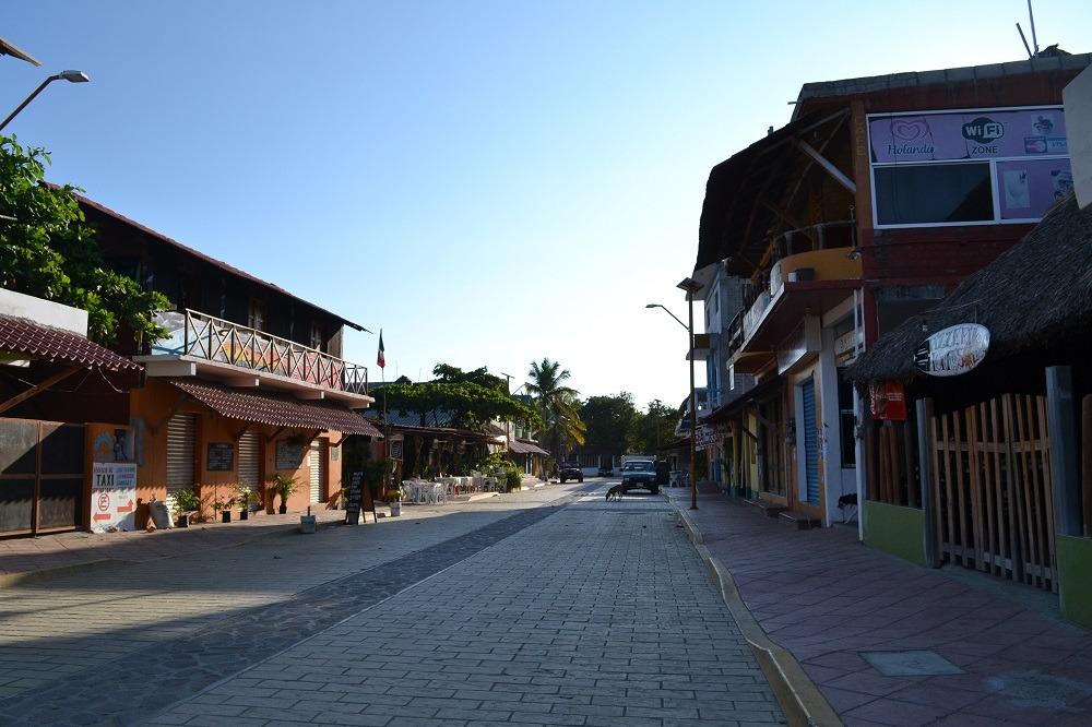 メキシコ・シポリテの朝の集落の写真