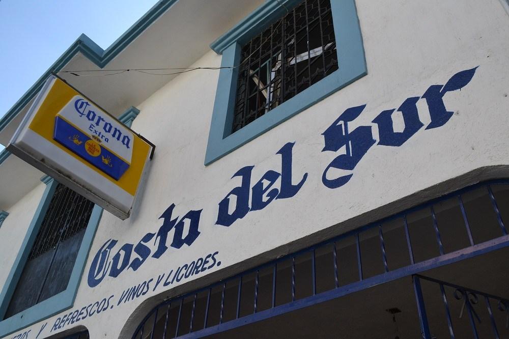 メキシコの酒屋(コスタ・デル・スル)の写真