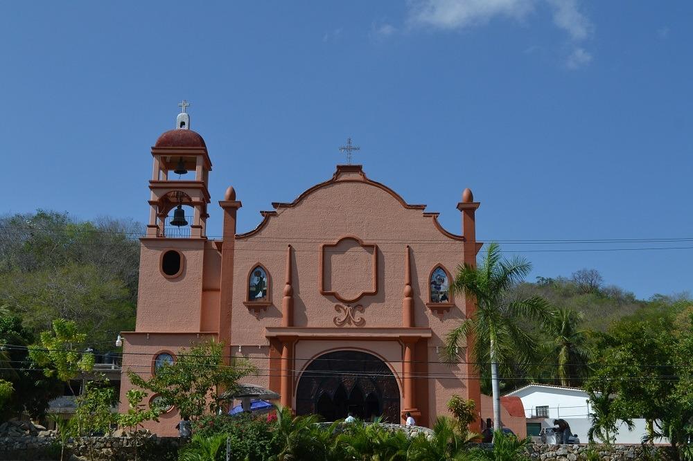 メキシコ・ウアトゥルコの町並み(教会)の写真