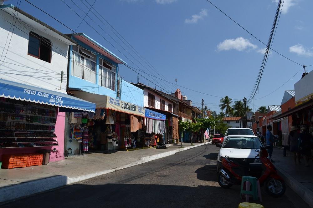 メキシコのビーチリゾート・ウアトゥルコの町中を観光してみたよ☆