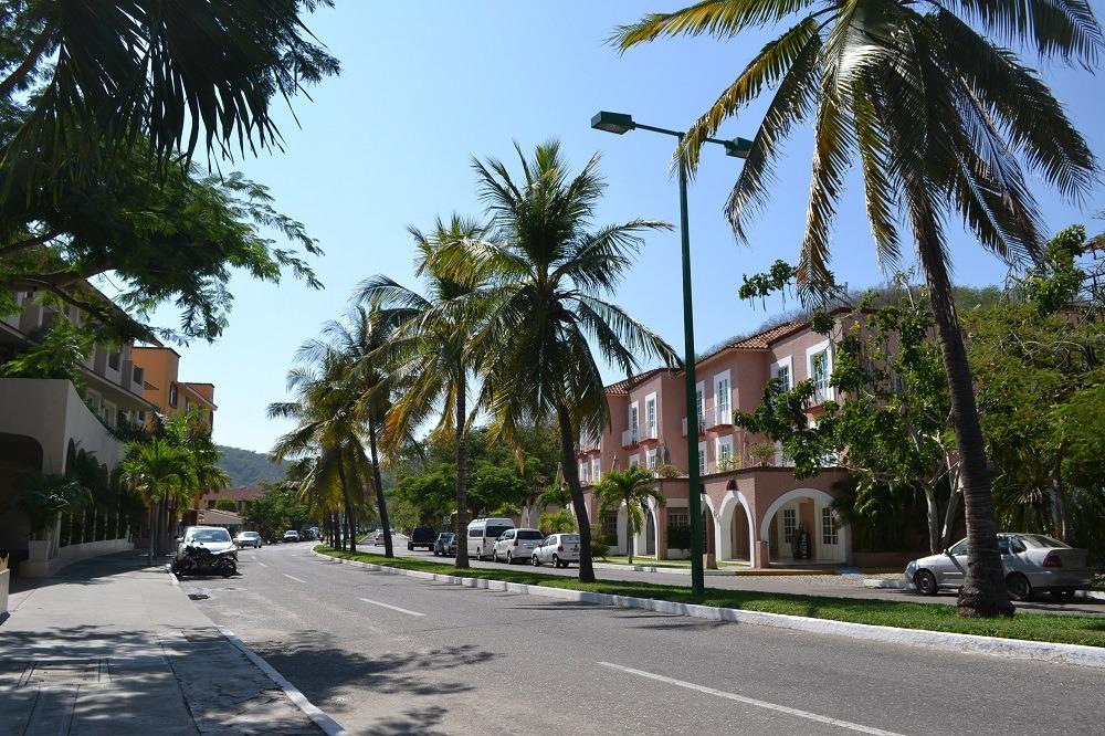 メキシコ・ウアトゥルコのビーチ周辺のホテルの写真