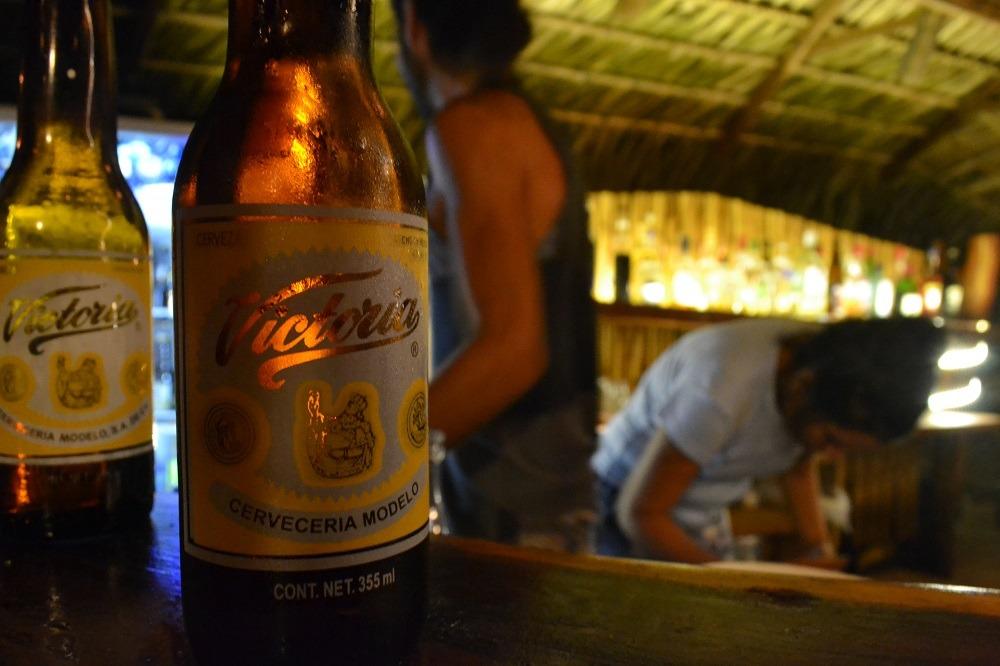 メキシコ・シポリテのバーで飲んだビールの写真
