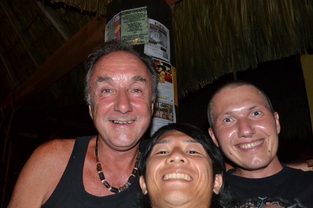 ゲストハウスの外国人旅人友達の写真
