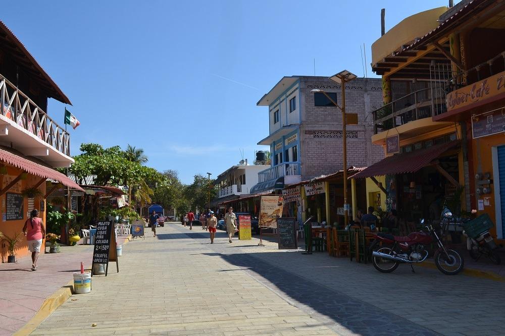 メキシコ・シポリテのメインストリートの写真