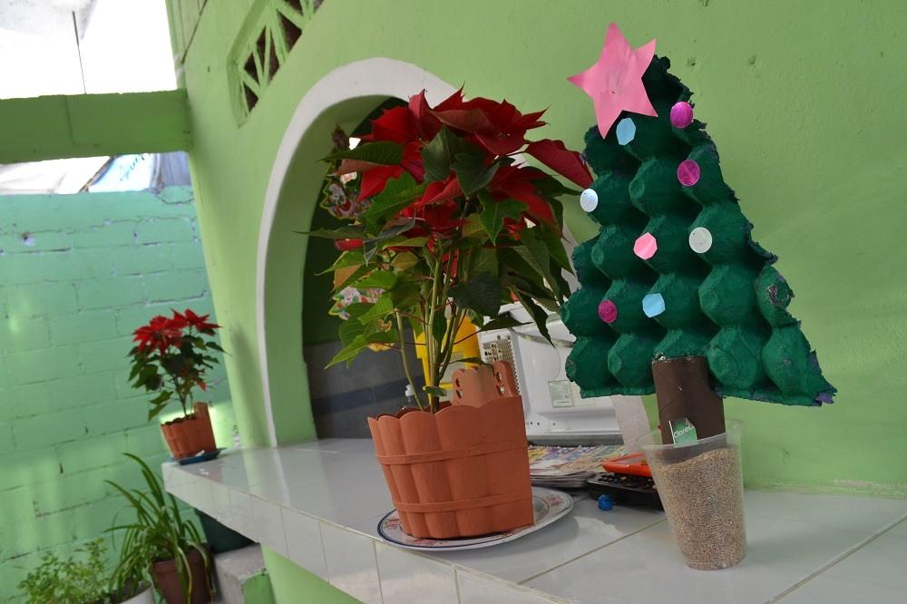 メキシコのクリスマス飾り(フェルトツリー)の写真