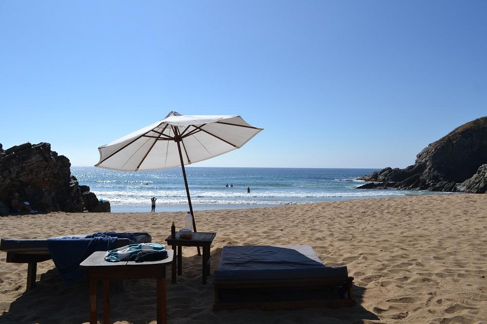 メキシコ・シポリテのビーチとベッドの写真