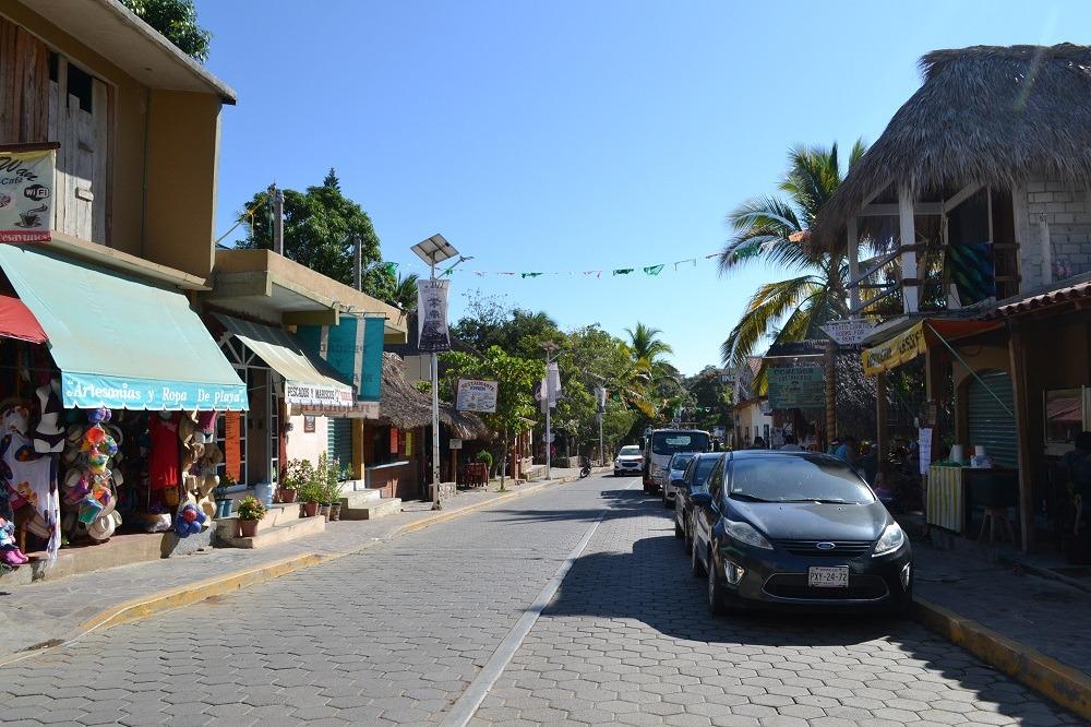 メキシコ・マスンテのメインストリート2の写真