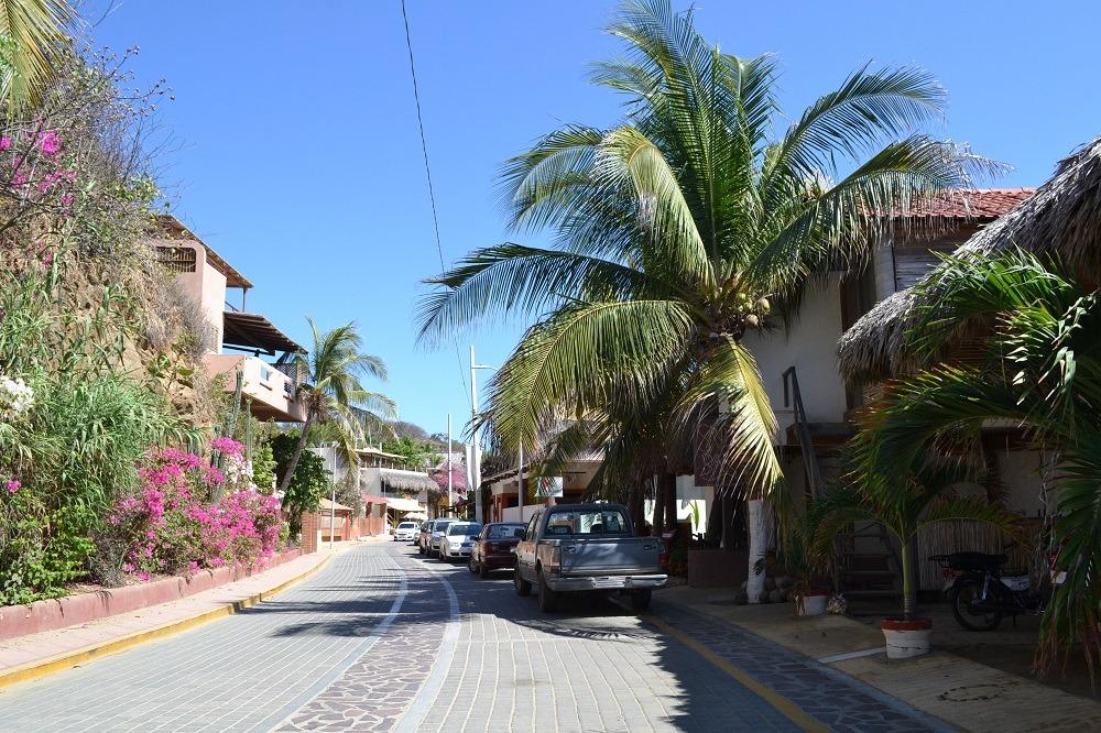 メキシコ・サンアングスティンのメインストリートの写真