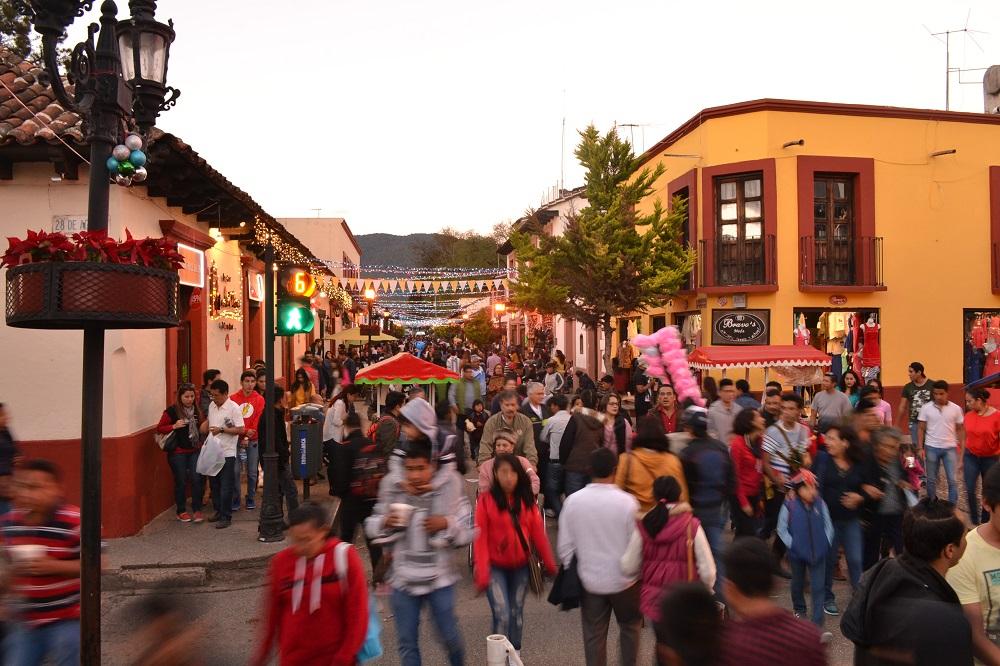 メキシコの元旦(観光通り)の写真