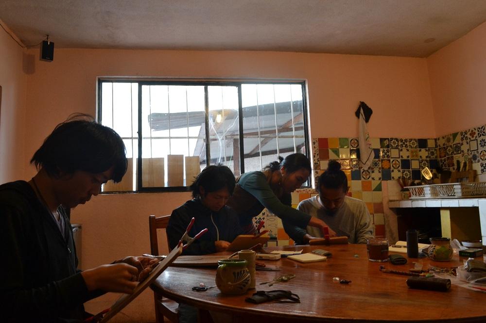 サンクリストバル・デ・ラス・カサスの日本人宿カサカサで吉野歩さんマクラメワークショップの写真