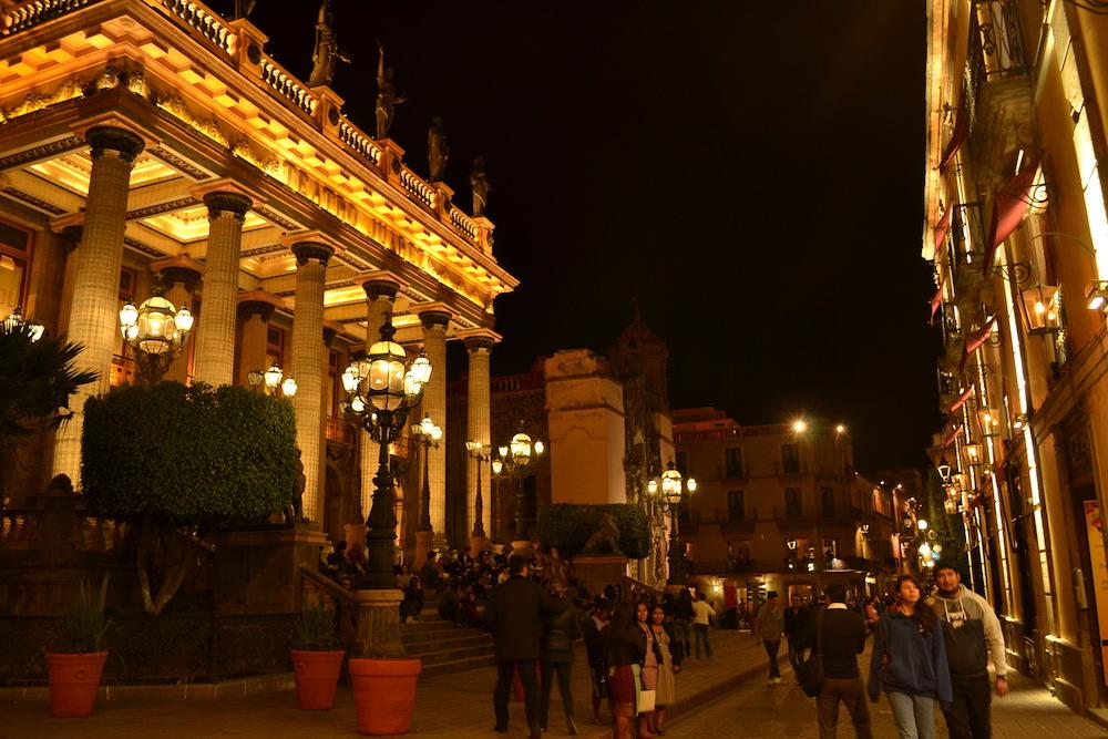 メキシコ・グアナファトの夜景(Teatro Juárez)の写真