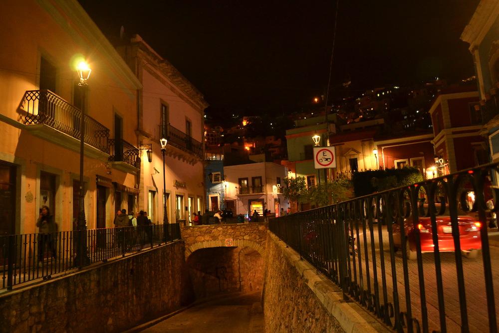 グアナフアトの地下トンネル入り口の写真