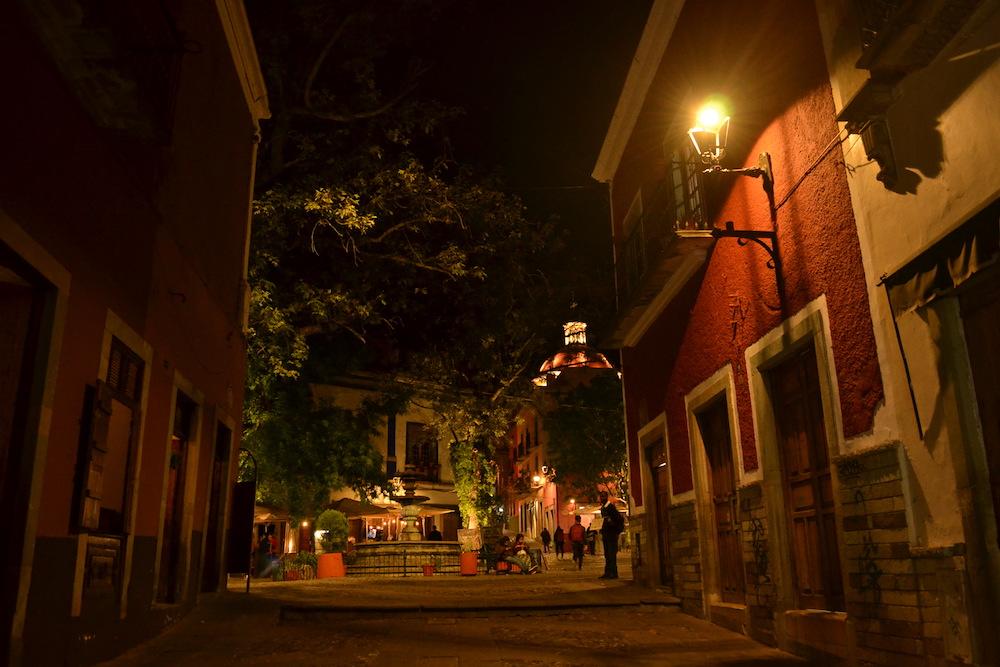 メキシコ・グアナフアト観光なら夜景散歩が超オススメ!
