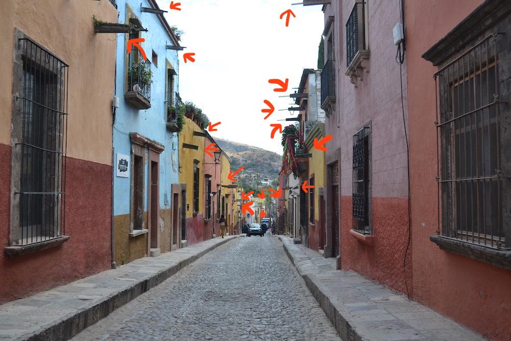 メキシコ・サンミゲルの町並み(雨どい)の写真