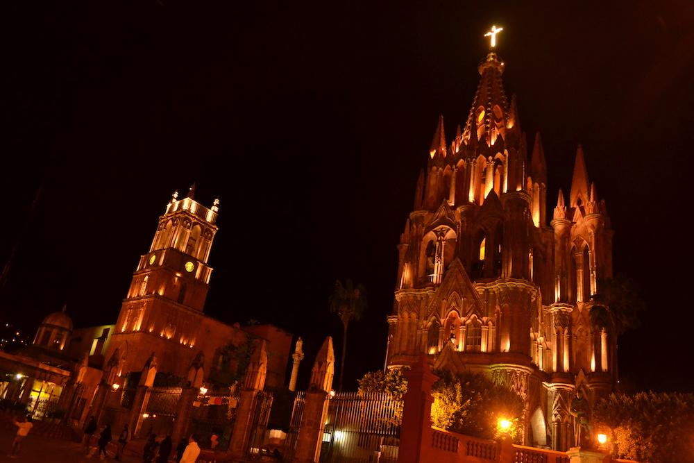 メキシコ・サンミゲルの夜景(教会)の写真