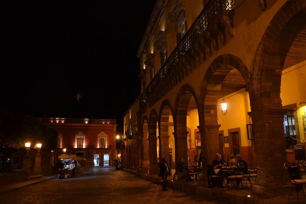 メキシコ・サンミゲルの夜景(広場)1の写真