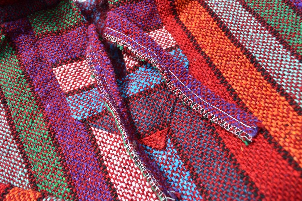 メキシカンパーカー(赤・虹色)紐アップ