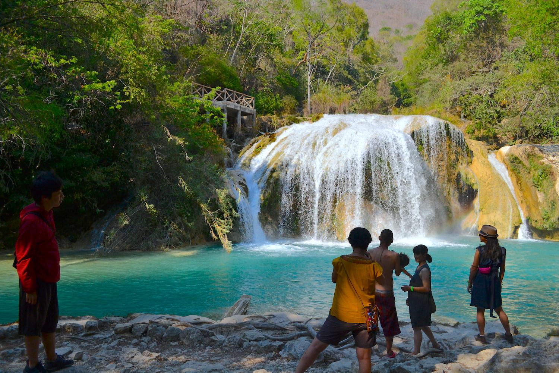 サンクリストバル・デ・ラス・カサスの日本人宿カサカサの皆でチフロンの滝遠足(小滝)の写真