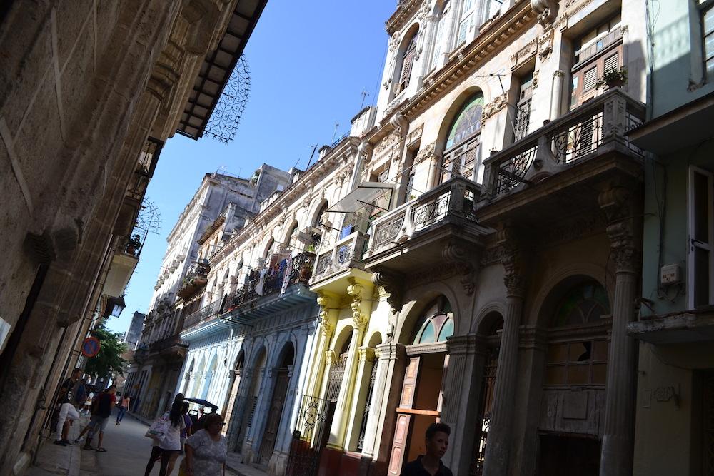 キューバ・ハバナの観光地区の街並み1の写真
