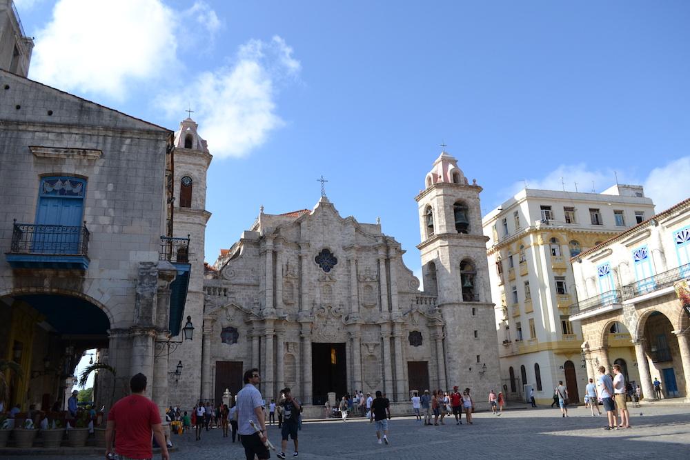 キューバ・ハバナの観光地区の教会1の写真