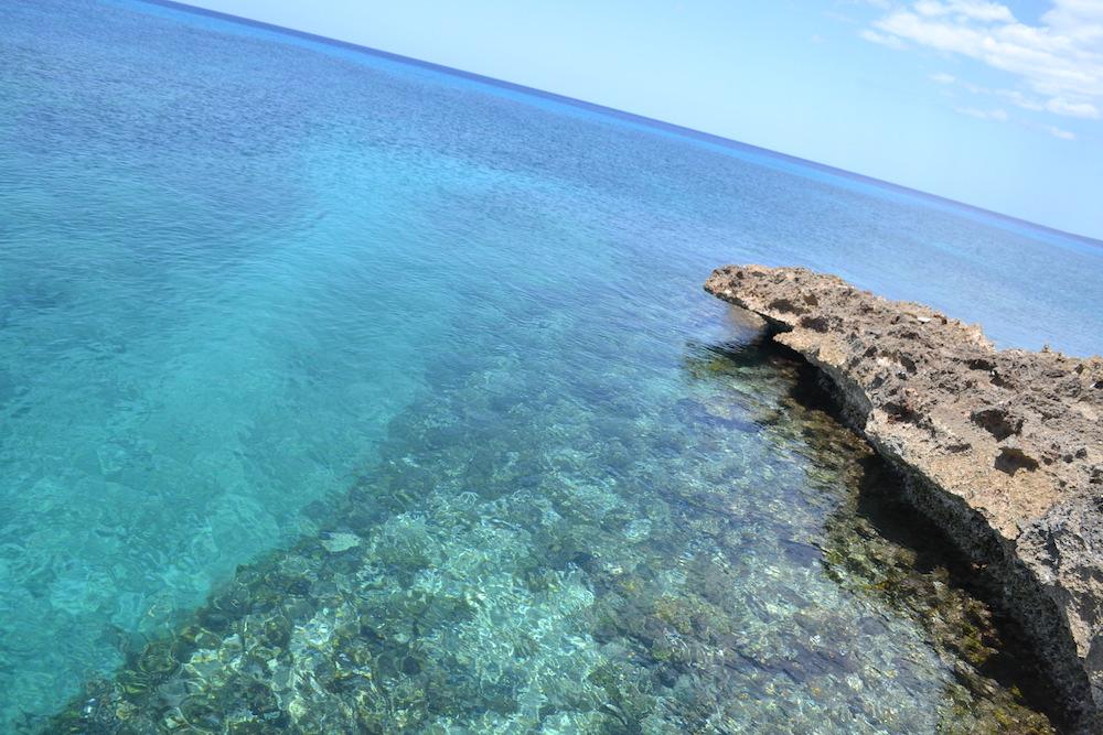 キューバ・トリニダーで海水浴の写真