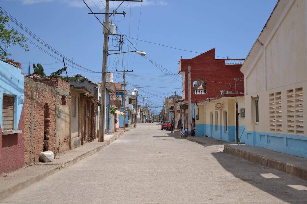 キューバ|仕事ないインターネットもない、となると人と話すしかない。
