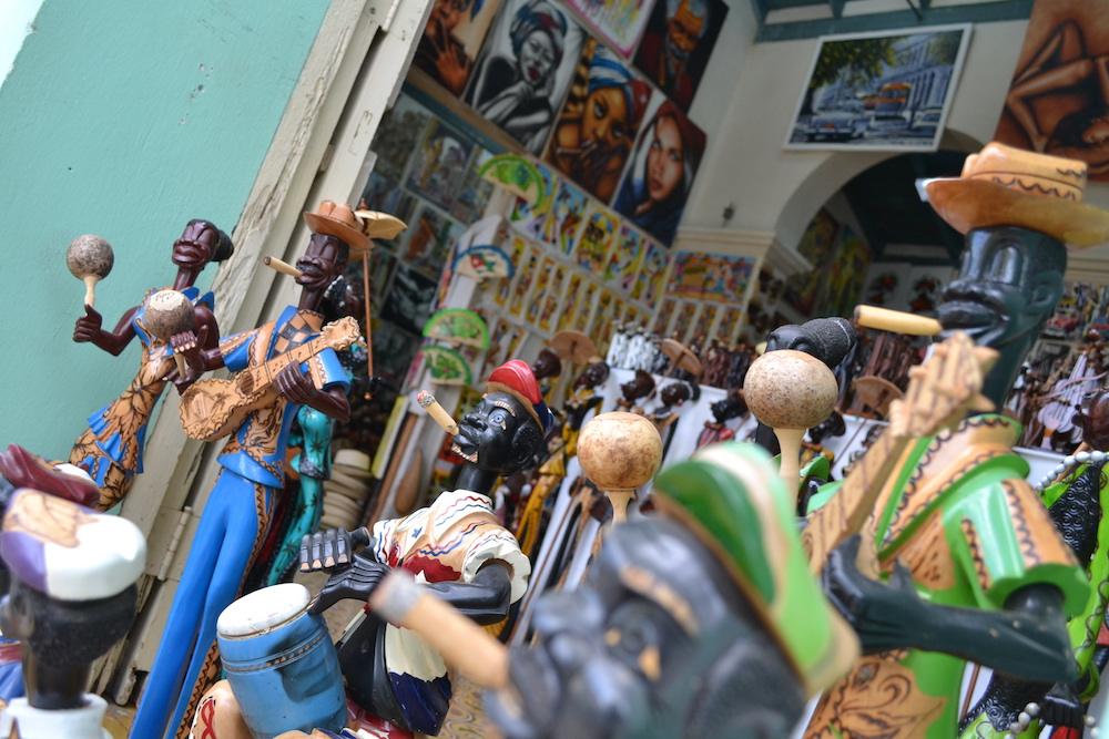 キューバ・トリニダーのお土産(人形)の写真