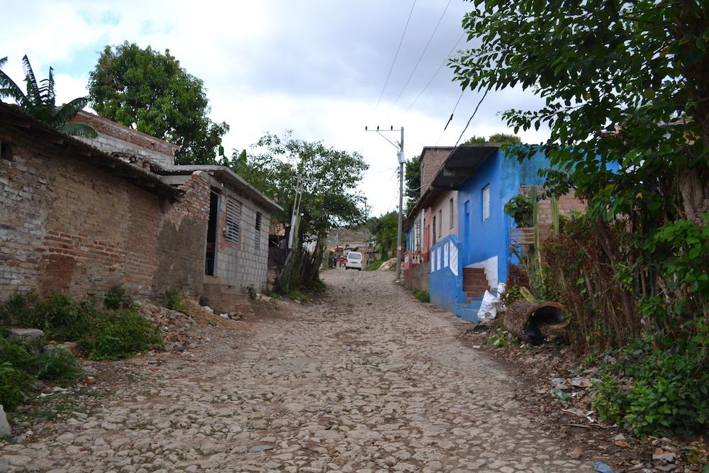 キューバ・トリニダーの貧困地区の写真