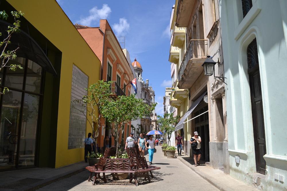 キューバ・ハバナの観光地区の街並み3の写真