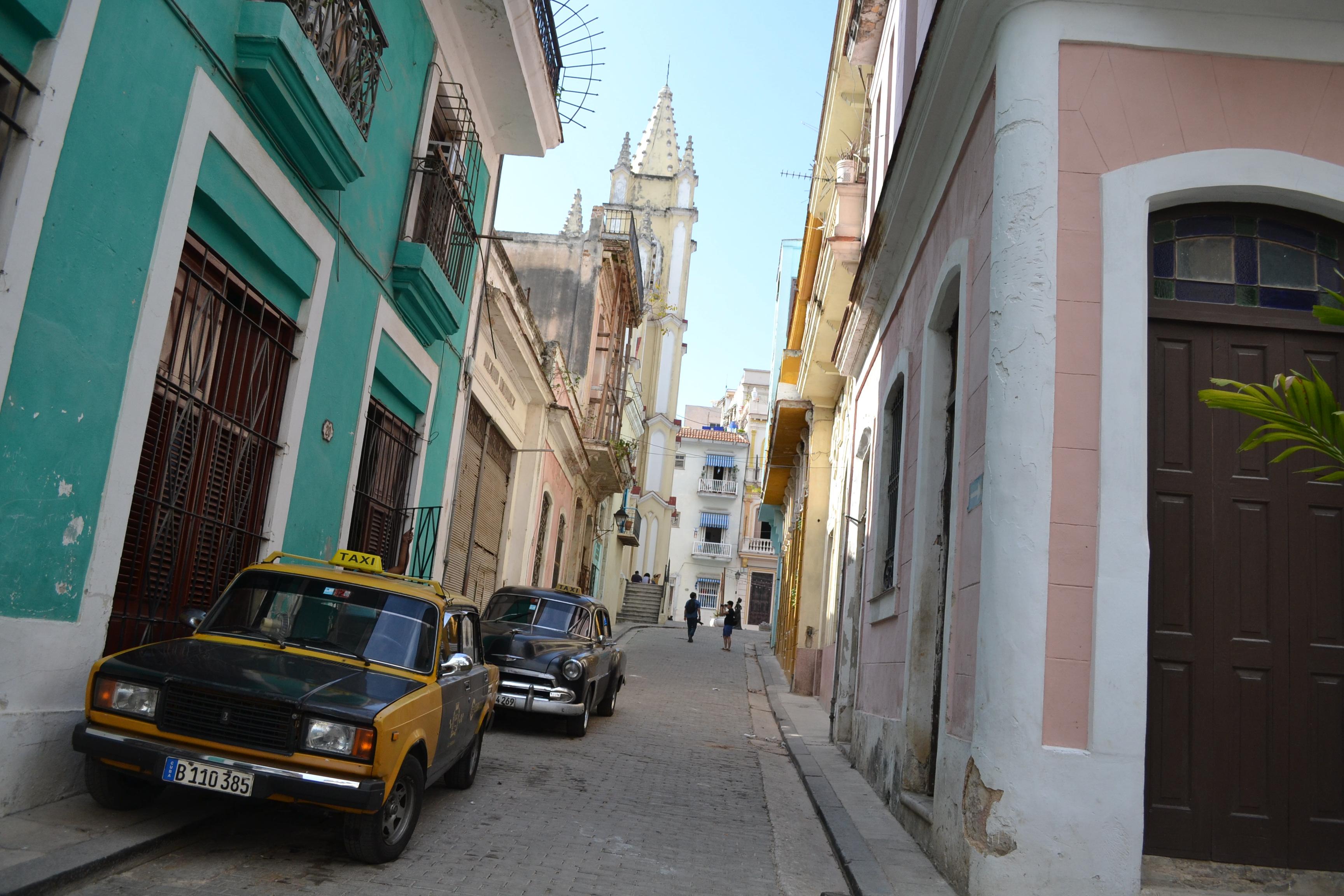 キューバ・ハバナの観光地区の街並み2の写真