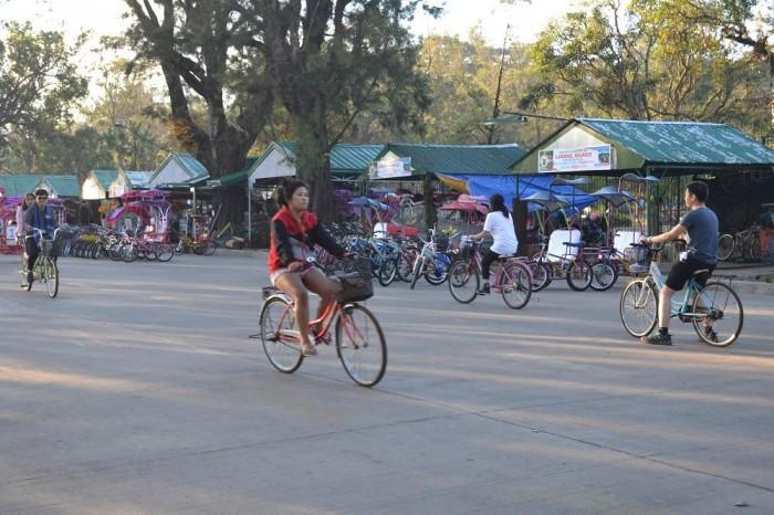 バギオでサイクリングしてる写真