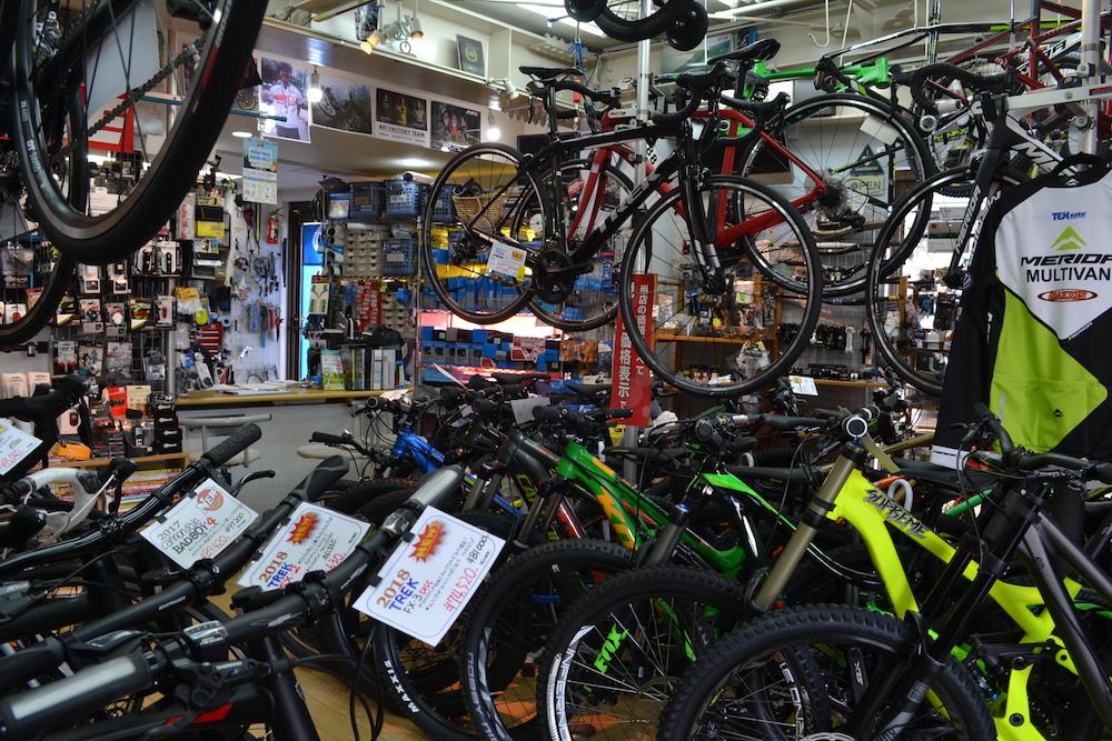 藤沢市のスポーツ自転車屋MARSH(店内)2の写真