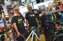 藤沢市のオススメ自転車屋MARSHで日本一周旅行用のクロスバイク選び♪