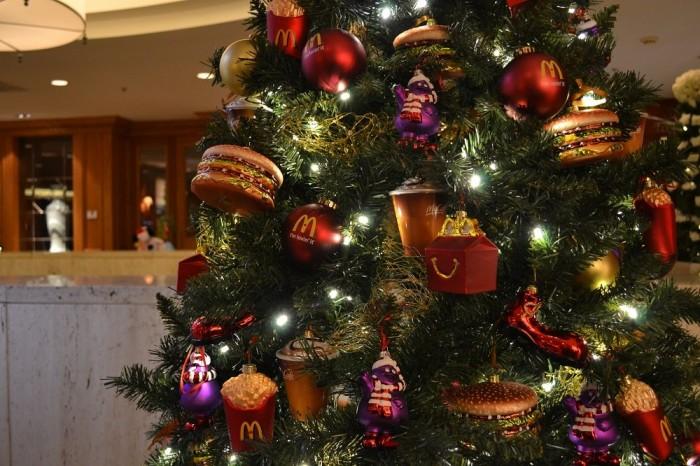 マックのクリスマスツリーの写真