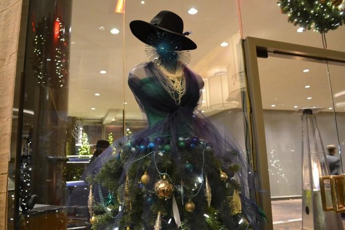 ドレスのクリスマスツリーの写真