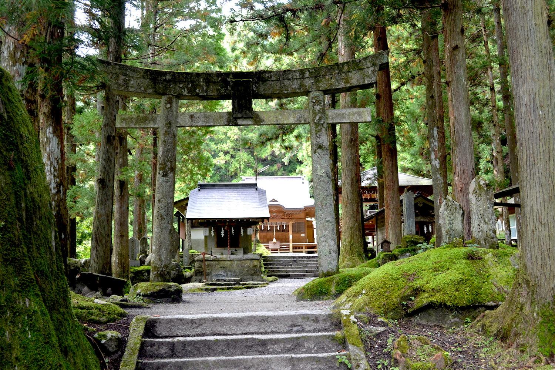 山梨県尾白川渓谷(神社)の写真