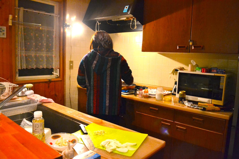 山梨県Airbnb一軒家(料理中)の写真