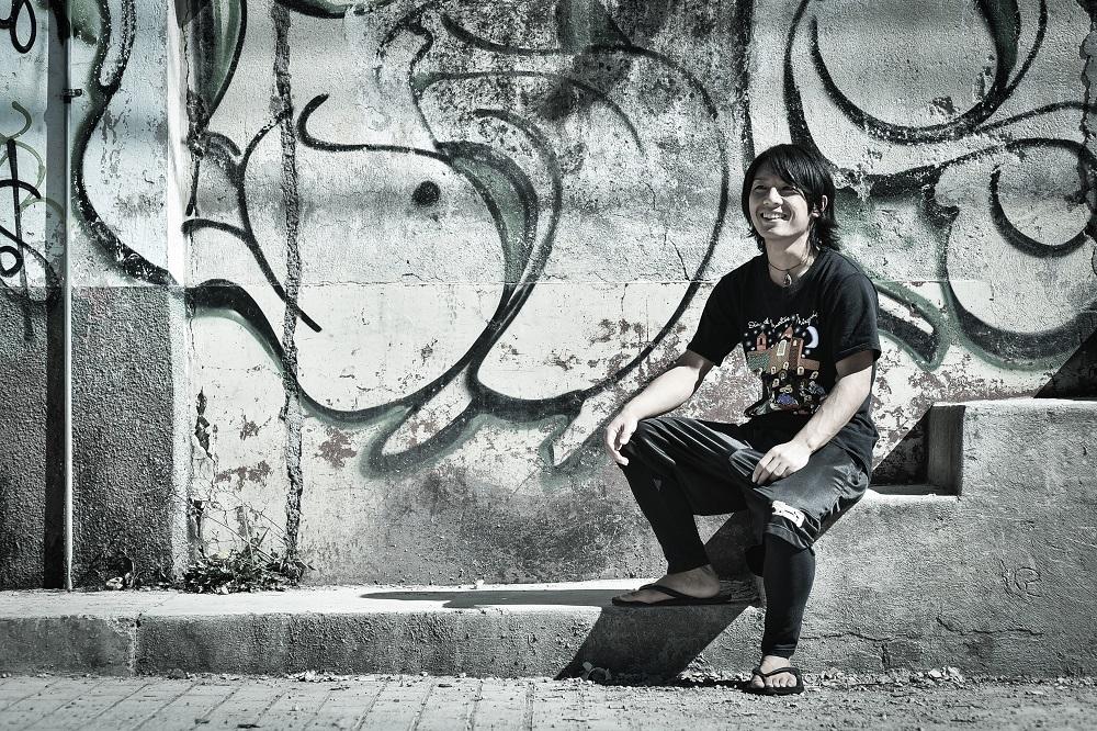 メキシコで撮影したプロフィール用写真(座位・白黒)