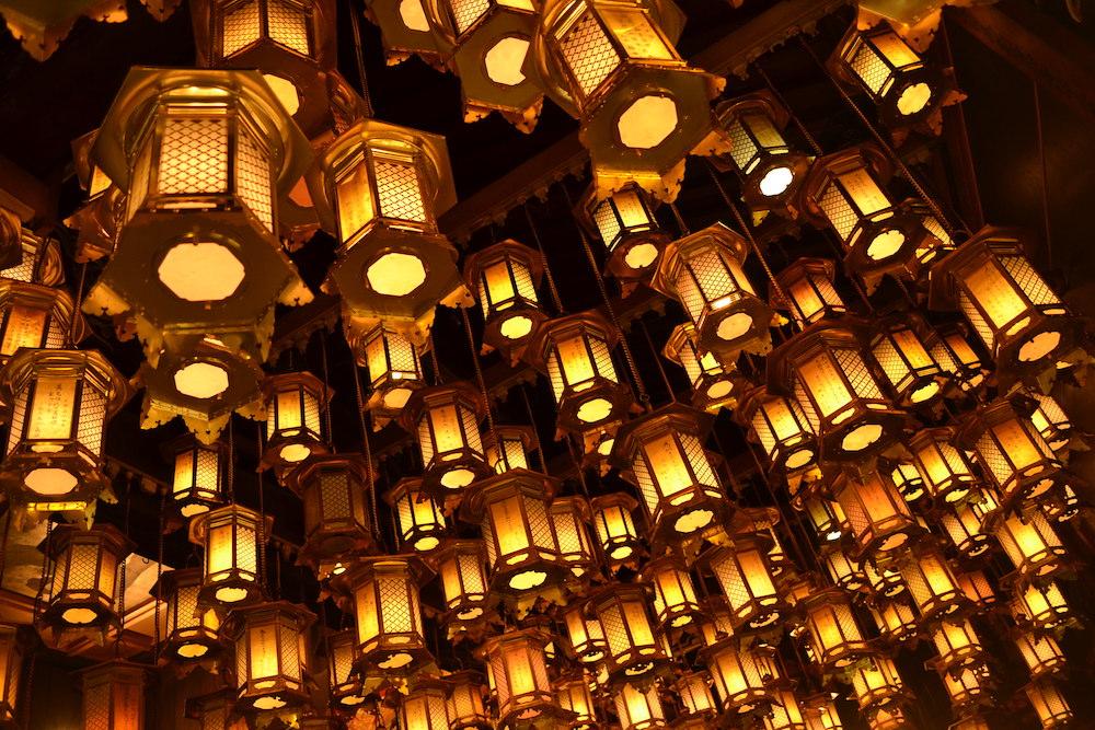 霊山寺(本堂の灯籠)・四国八十八ケ所お遍路1番の写真