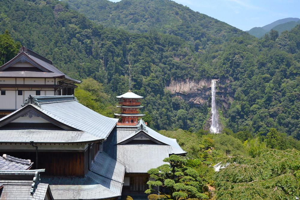 和歌山県|熊野那智大社(遠目からの那智滝)の写真
