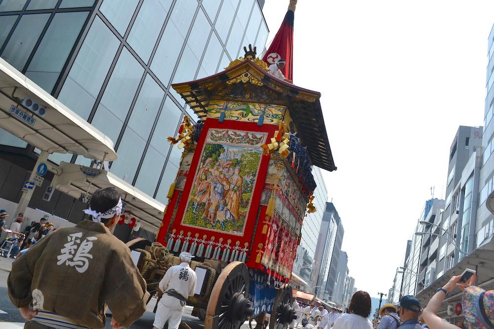 京都祇園祭・山鉾巡行(鉾背面)の写真