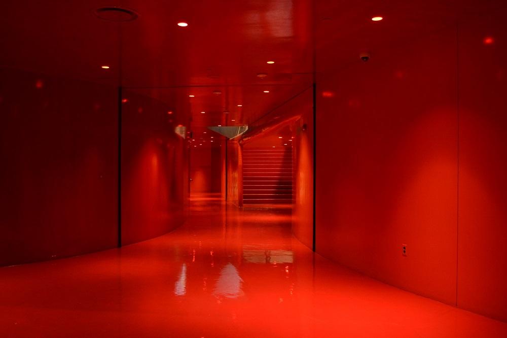 シアトル中央図書館(真っかな廊下)の写真