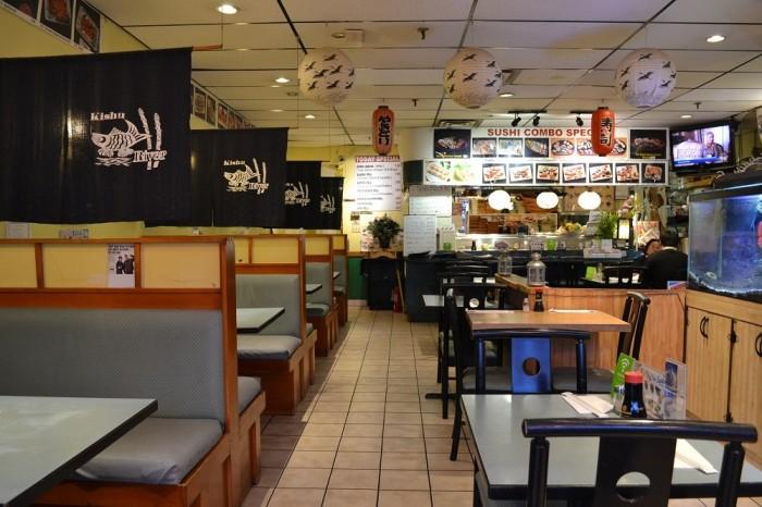 日本食レストランの内装の写真