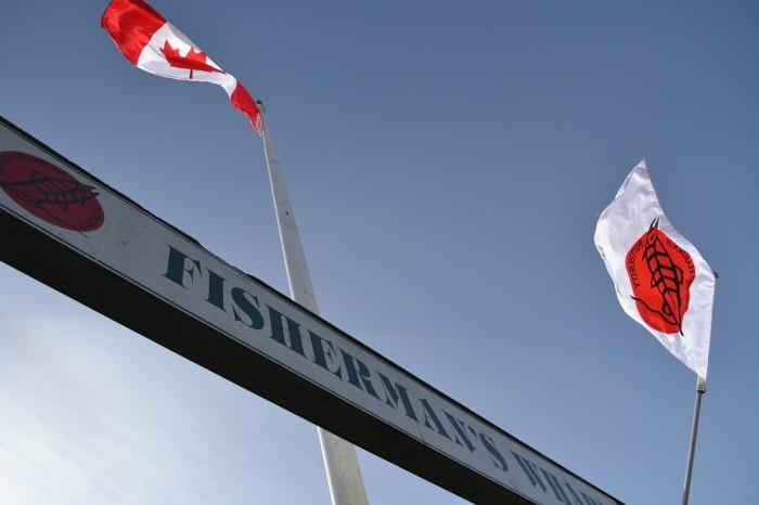スティーブストン漁村の旗の写真